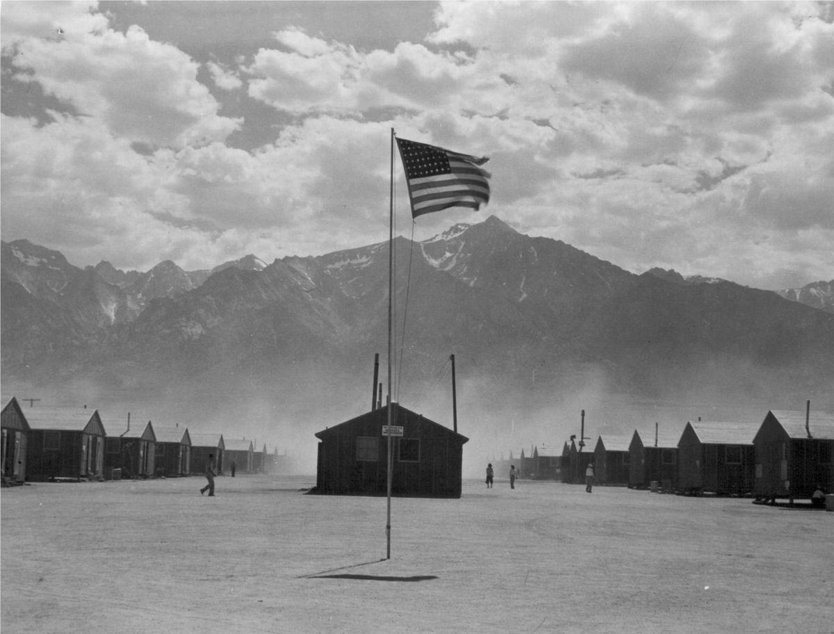 مخيم مانزنار الذي احتجز فيه اليابانيين وحتى ذوي الأصول اليابانية!