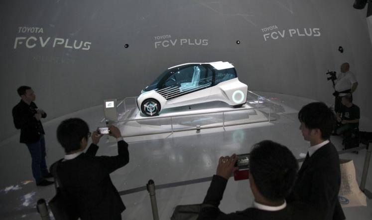لم تفوت تويوتا أي فرصة لاستعراض قوتها في تطوير الذكاء الاصطناعي بسياراتها المستقبلية في أكبر معارض السيارات بالعالم
