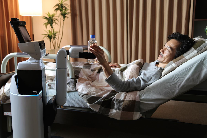 تحرص تويوتا على تسخير روبوتاتها الثورية لخدمة المرضى والمسنين