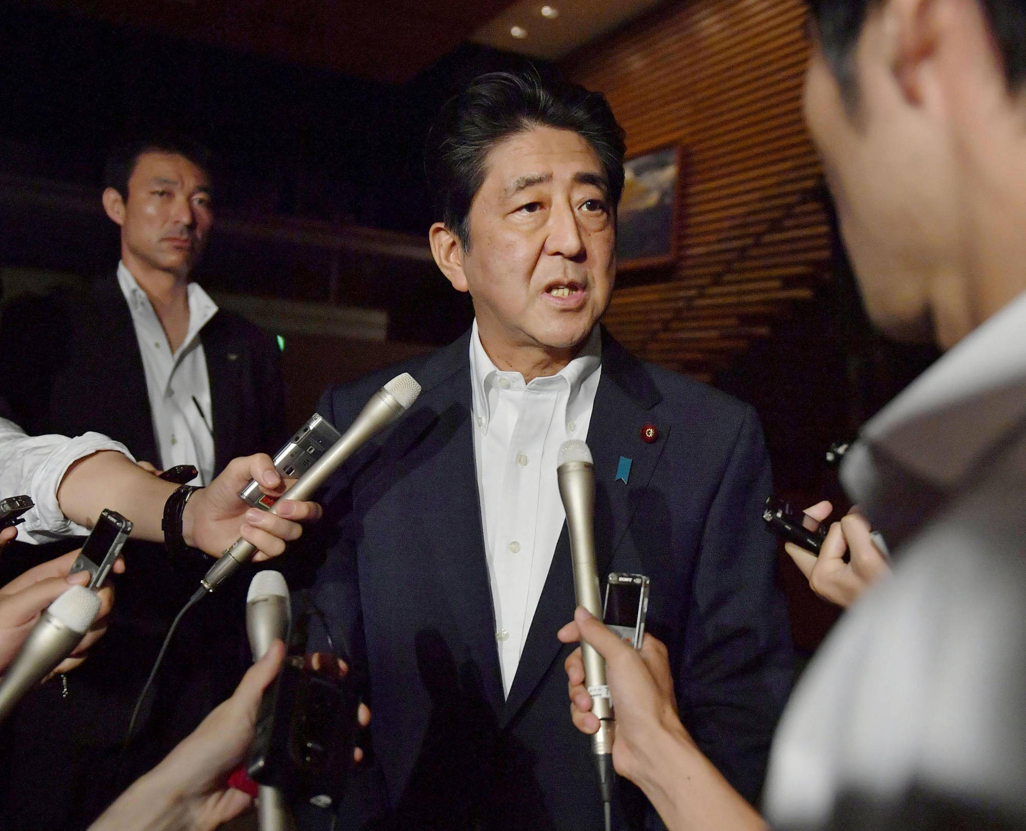 """آبيه: """"سنبذل كل ما بوسعنا للحفاظ على سلامة الشعب الياباني"""""""