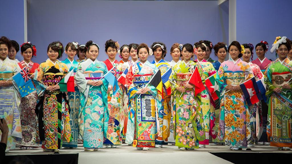 شركة يابانية تخطط لتوحيد العالم بالكيمونو