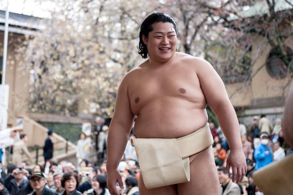 أشهر مصارعي السومو في اليابان.. إندو شوتا