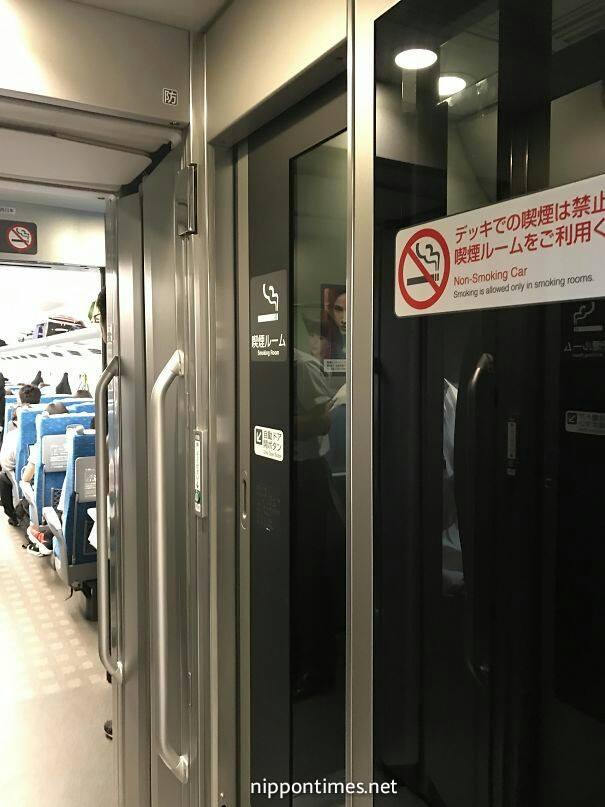 غرف التدخين داخل القطارات السريعة