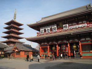 معبد سينسوجي في منطقة أساكوسا شرق طوكيو