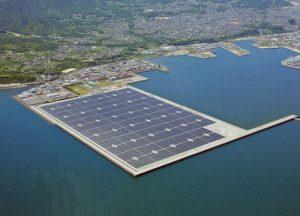 أكبر محطة عائمة في اليابان لتوليد الطاقة الكهربائية من الطاقة الشمسية في محافظة كاغوشيما